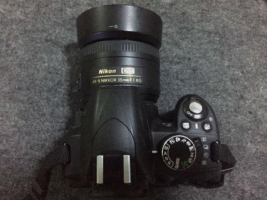 Nikon D3100 正面
